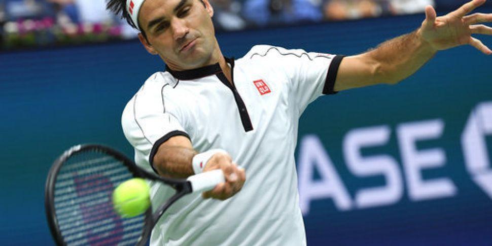 Roger Federer progresses to th...