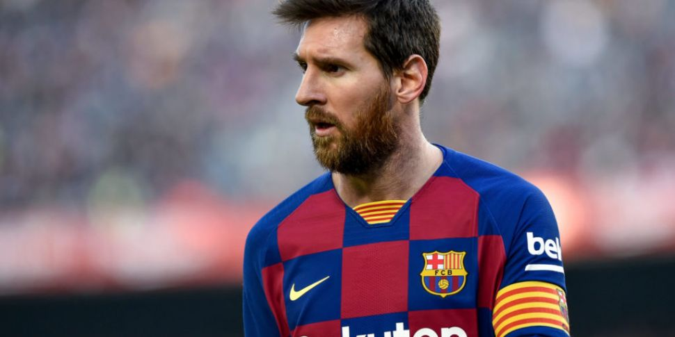 Lionel Messi faxes Barcelona t...