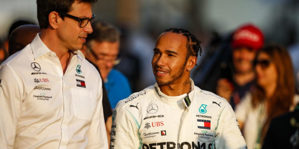 Mercedes boss supports Lewis H...