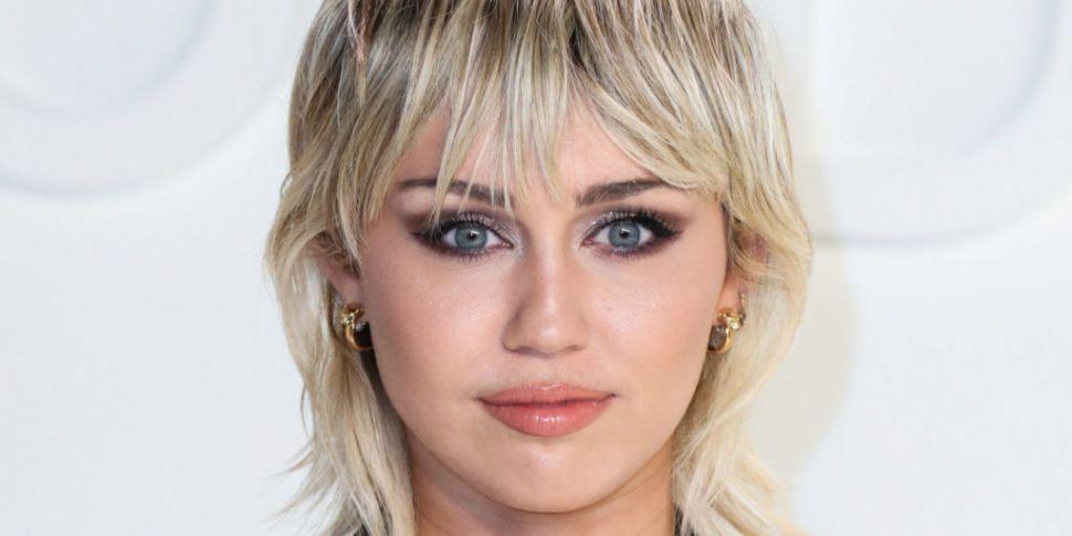 Miley Cyrus Tweeted Leo Varadk...