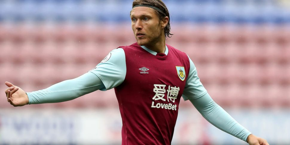 Burnley confirm Hendrick depar...