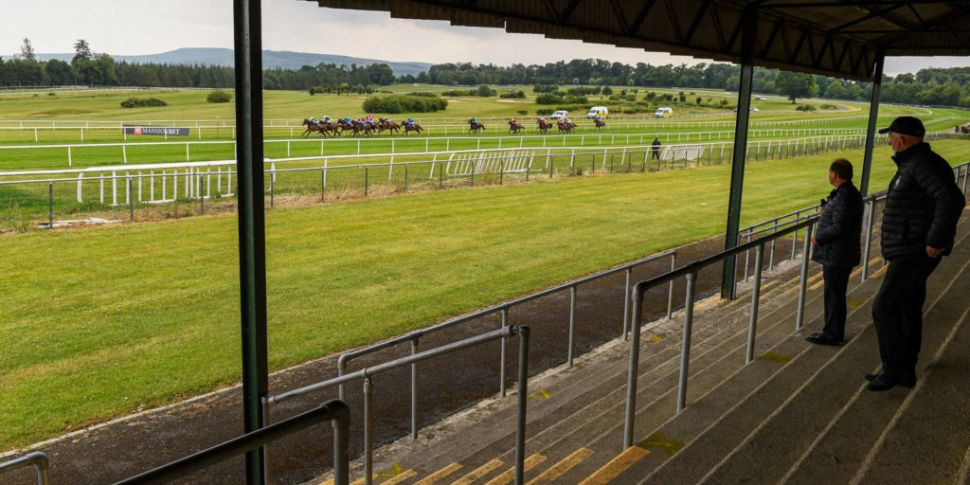 Owners must wait for course re...
