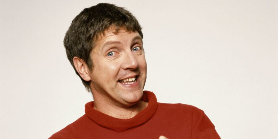 Art Attack's Neil Buchanan Den...