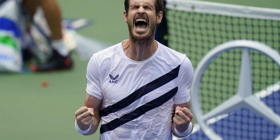Andy Murray training with Djok...