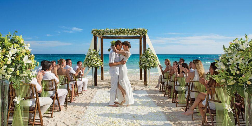 Wedding Expert Reveals Top Ben...