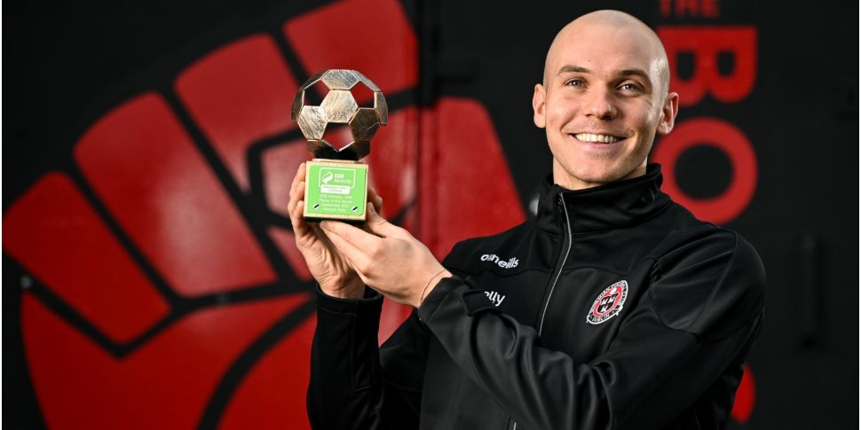 Kelly scoops Player of the Mon...