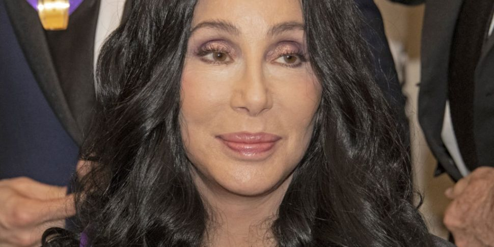 Cher Brought To Tears Listenin...