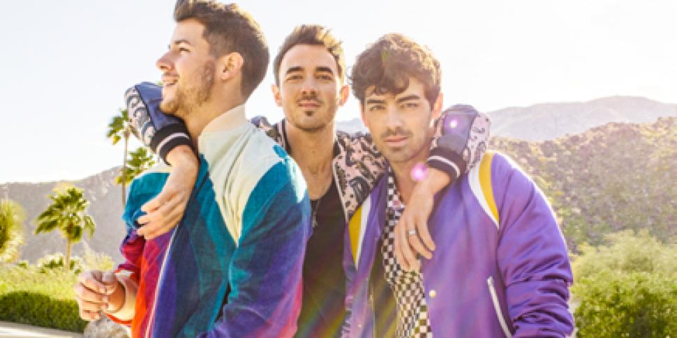 Jonas Brothers Announce 3Arena...