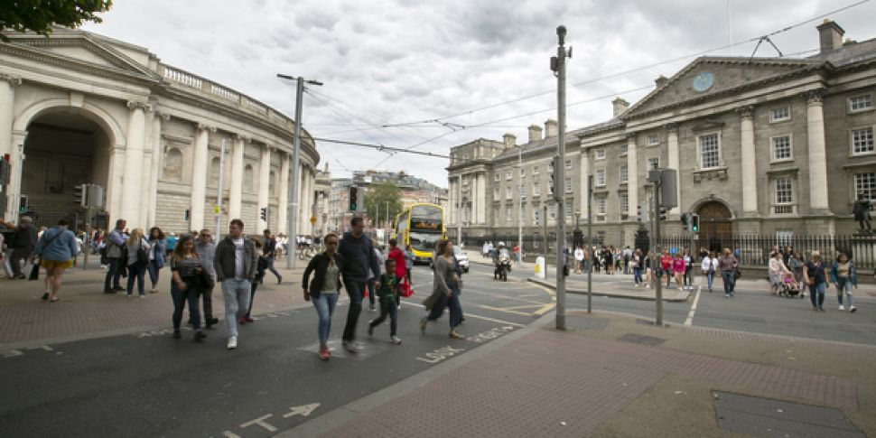 College Green Closed To Traffi...