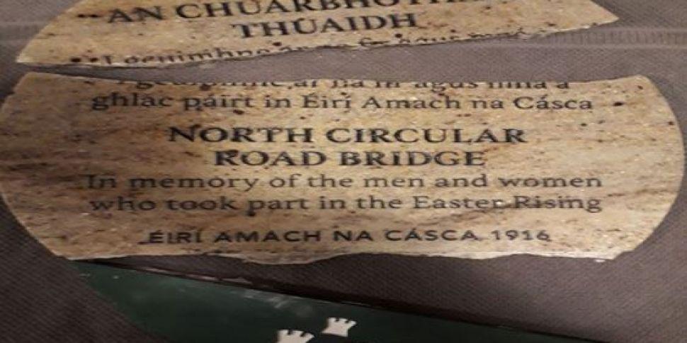 1916 Plaque Vandalised In Cabr...