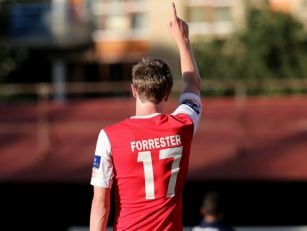 Chris Forrester rejoins St Pat...