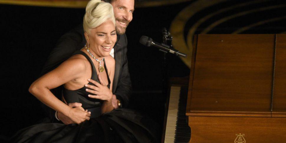 Lady Gaga & Bradley Cooper Per...
