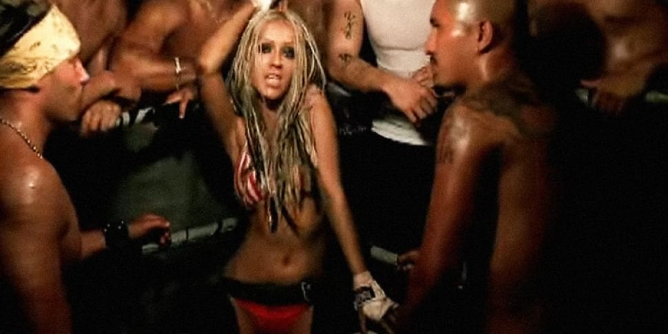 Christina Aguilera Announces D...
