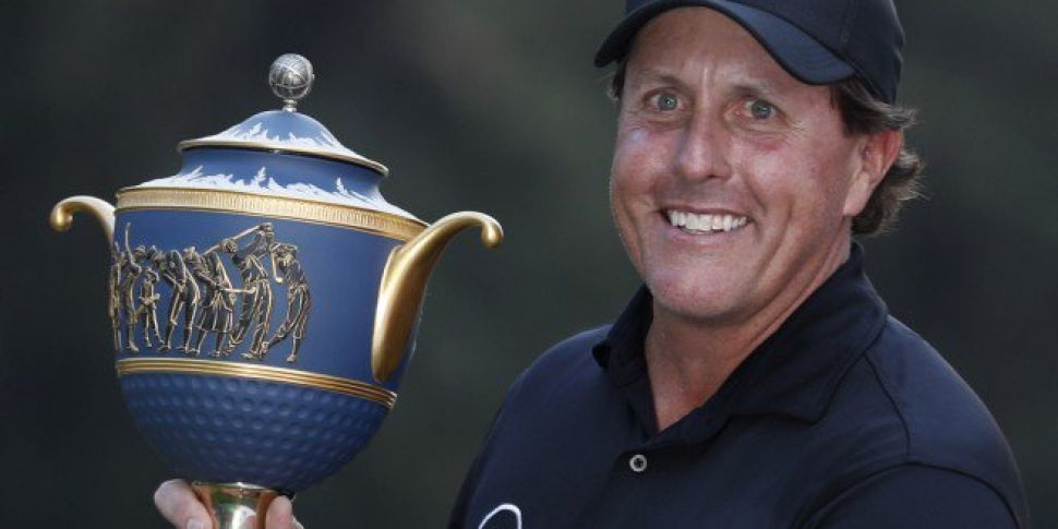 Phil Mickelson Ends Five Year Trophy Drought