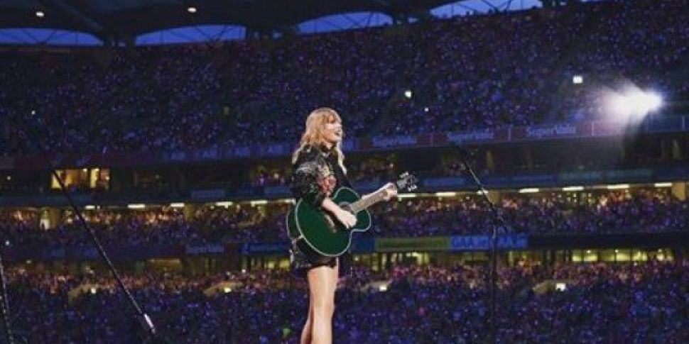 Taylor Swift Makes History Wit...