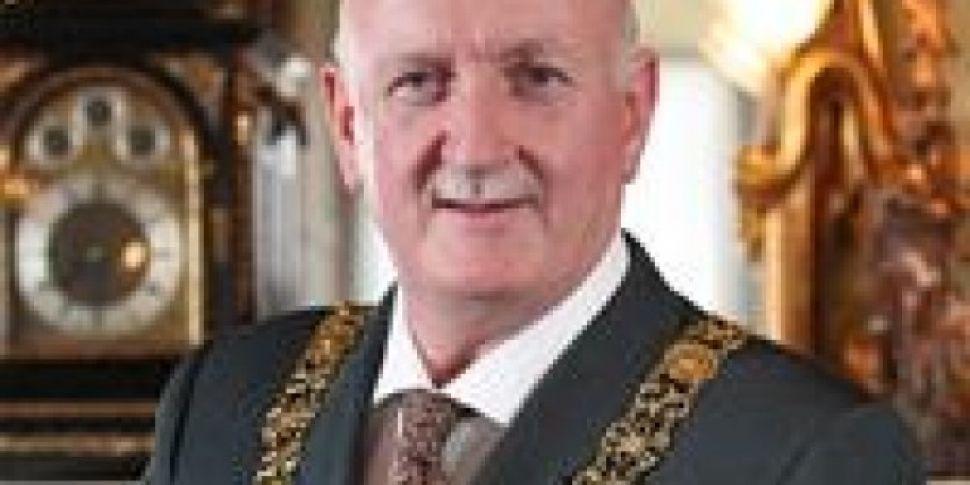 Lord Mayor Would Make Mansion...