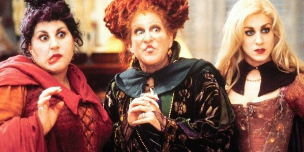 Cast Of Hocus Pocus Reunite Fo...