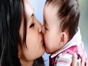 Warning Issued To Parents Over Dangers Of Kissing A Baby On Mouth