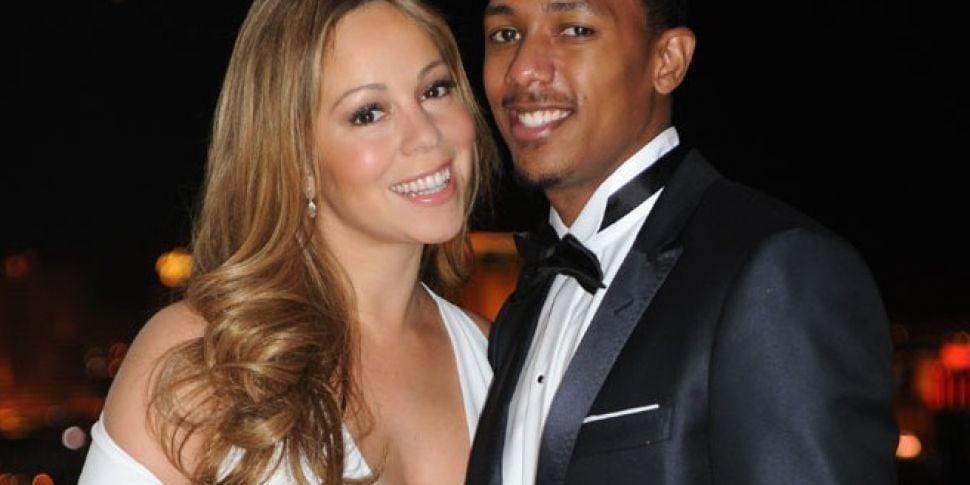 Mariah Sends Seductive Snap Fo...
