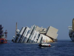 Divers Find Remains on Costa Concordia