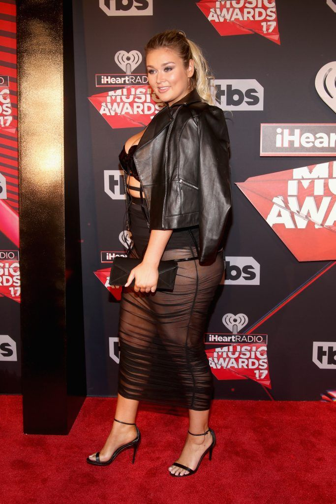 Model Hunter McGrady attends the 2017 iHeartRadio Music Awards which broadcast live on Turner's TBS, TNT, and truTV at The Forum on March 5, 2017 in Inglewood, California.  (Photo by Jesse Grant/Getty Images for iHeartMedia)