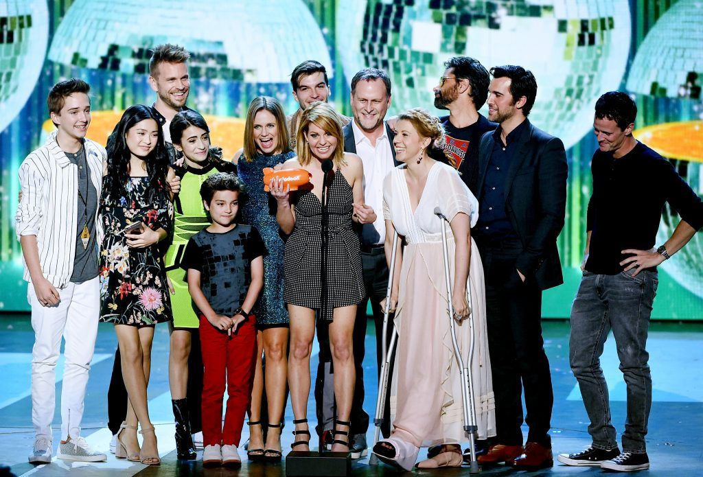 The cast of Fuller House accepts the award for Favorite TV Show – Family Show onstage at Nickelodeon's 2017 Kids' Choice Awards at USC Galen Center on March 11, 2017 in Los Angeles, California.  (Photo by Kevin Winter/Getty Images)