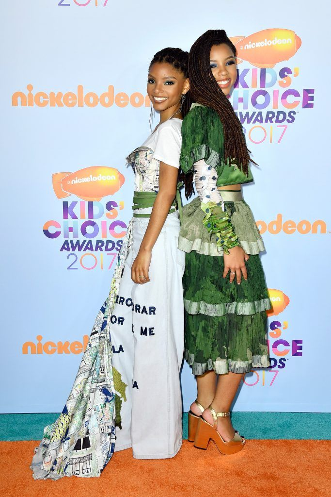 Actors Chloe Bailey (L) and Halle Baileyat Nickelodeon's 2017 Kids' Choice Awards at USC Galen Center on March 11, 2017 in Los Angeles, California.  (Photo by Frazer Harrison/Getty Images)