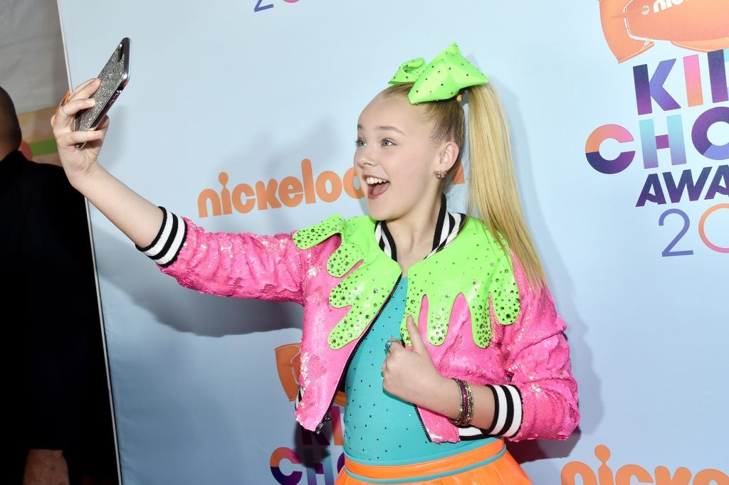 Dancer JoJo Siwa at Nickelodeon's 2017 Kids' Choice Awards at USC Galen Center on March 11, 2017 in Los Angeles, California.  (Photo by Alberto E. Rodriguez/Getty Images)