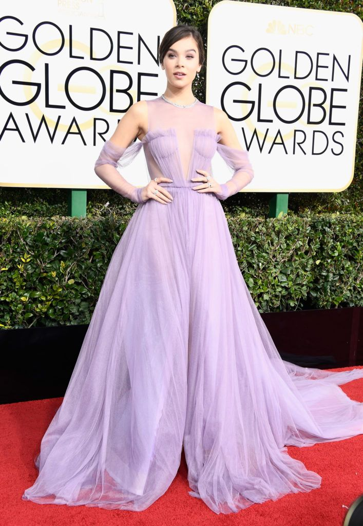 BEVERLY HILLS, CA - JANUARY 08:  Actress Hailee Steinfeld attends the 74th Annual Golden Globe Awards at The Beverly Hilton Hotel on January 8, 2017 in Beverly Hills, California.  (Photo by Frazer Harrison/Getty Images)