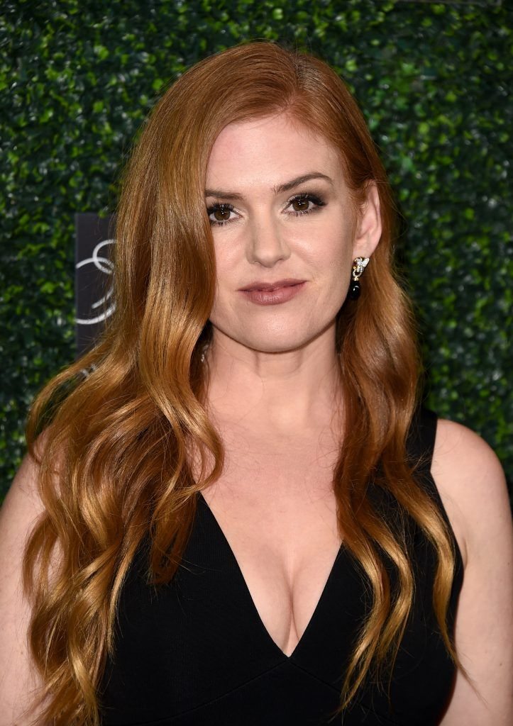 "Isla Fisher attends WCRF's ""An Unforgettable Evening"" presented by Saks Fifth Avenue at the Beverly Wilshire Four Seasons Hotel on February 16, 2017 in Beverly Hills, California.  (Photo by Alberto E. Rodriguez/Getty Images)"