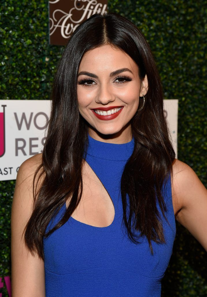 "Actor Victoria Justice attends WCRF's ""An Unforgettable Evening"" presented by Saks Fifth Avenue at the Beverly Wilshire Four Seasons Hotel on February 16, 2017 in Beverly Hills, California.  (Photo by Matt Winkelmeyer/Getty Images for WCRF )"