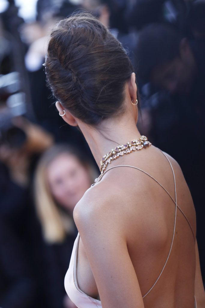 """Model Emily Ratajkowski attends the """"Ismael's Ghosts (Les Fantomes d'Ismael)"""" screening and Opening Gala during the 70th annual Cannes Film Festival at Palais des Festivals on May 17, 2017 in Cannes, France.  (Photo by Tristan Fewings/Getty Images)"""