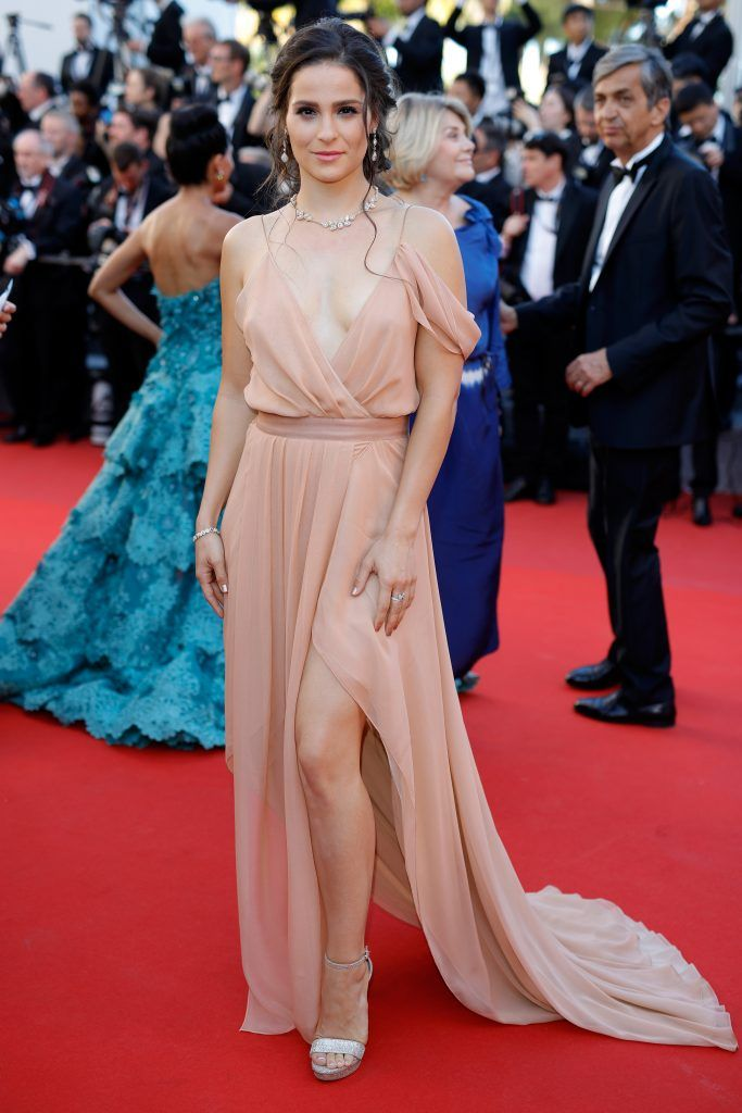 """Gianna Simone attends the """"Ismael's Ghosts (Les Fantomes d'Ismael)"""" screening and Opening Gala during the 70th annual Cannes Film Festival at Palais des Festivals on May 17, 2017 in Cannes, France.  (Photo by Andreas Rentz/Getty Images)"""