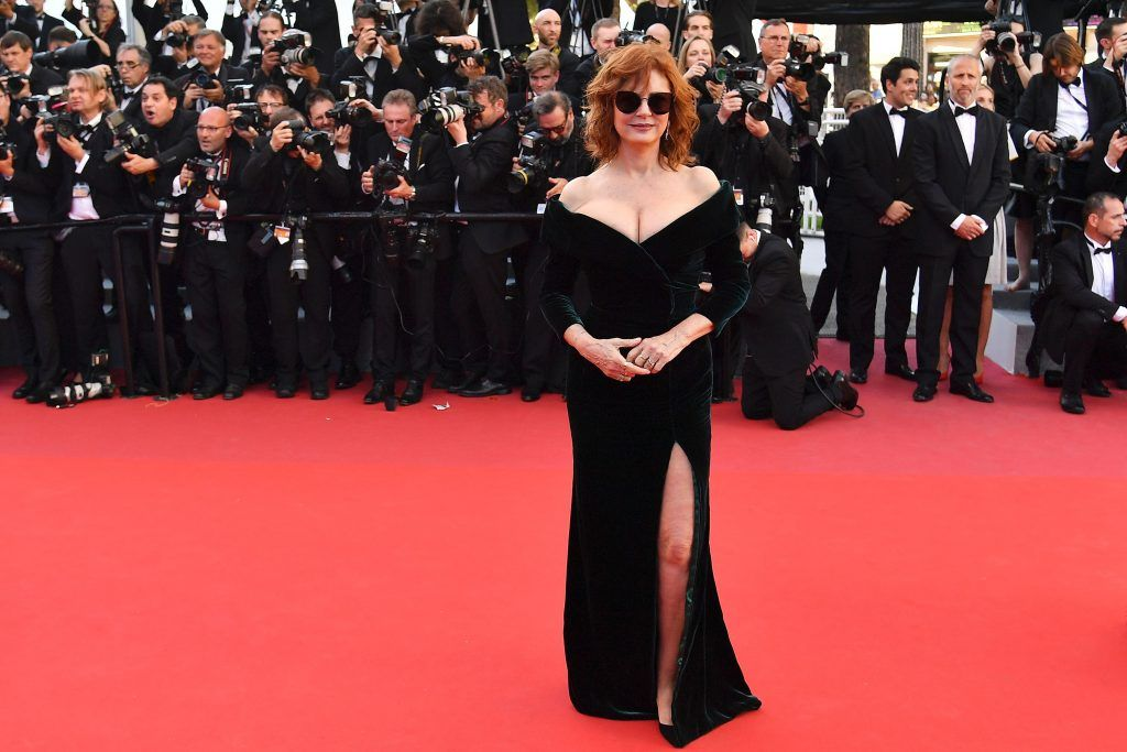 Susan Sarandon poses as she arrives on May 17, 2017 for the screening of the film 'Ismael's Ghosts' (Les Fantomes d'Ismael) during the opening ceremony of the 70th edition of the Cannes Film Festival in Cannes, southern France. (Photo ALBERTO PIZZOLI/AFP/Getty Images)