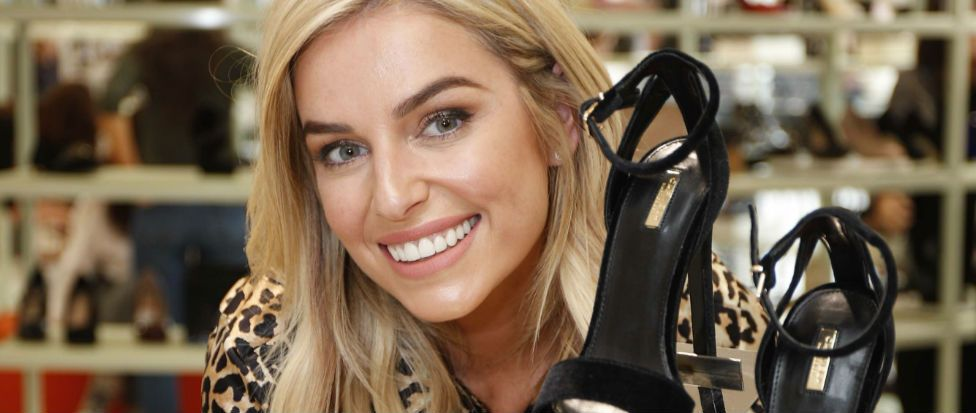 Pippa O'Connor shows us exactly how to dress for summer/autumn in a gorgeous Ganni gúna