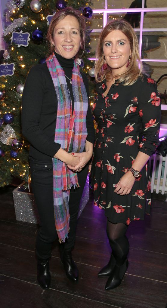 Caroline Pratt and Roisin Murray at the Loop at Dublin and Cork Airports Joy of Giving Christmas Preview at Number 4 Parliament Street. Picture: Brian McEvoy