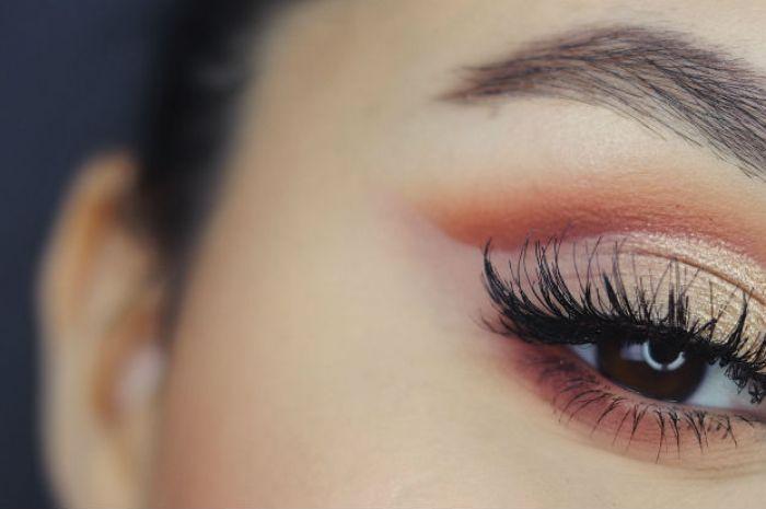 4 Ways To Avoid Eyeshadow Fallout Beaut