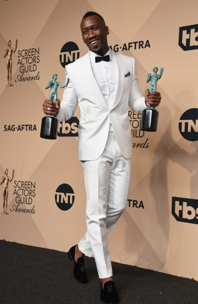 LOS ANGELES, CA - JANUARY 29:  Actor Mahershala Ali, winner of the Outstanding Performance by a Male Actor in a Supporting Role award for 'Moonlight,' poses in the press room during the 23rd Annual Screen Actors Guild Awards at The Shrine Expo Hall on January 29, 2017 in Los Angeles, California.  (Photo by Alberto E. Rodriguez/Getty Images)