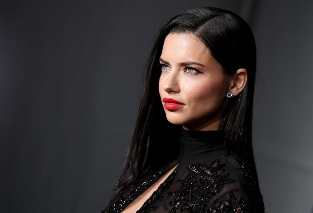 Model Adriana Lima attends the 19th annual amfAR's New York Gala to kick off NY Fashion Week at Cipriani Wall Street on February 8, 2017 in New York City. (Photo ANGELA WEISS/AFP/Getty Images)