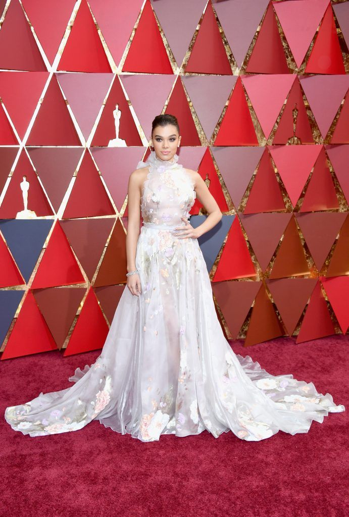 HOLLYWOOD, CA - FEBRUARY 26:  Actor Hailee Steinfeld attends the 89th Annual Academy Awards at Hollywood & Highland Center on February 26, 2017 in Hollywood, California.  (Photo by Kevork Djansezian/Getty Images)