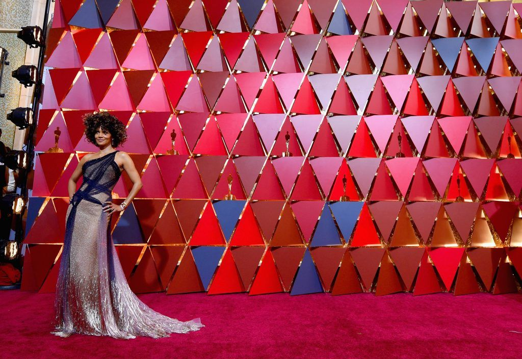 HOLLYWOOD, CA - FEBRUARY 26:  Actress Halle Berry attends the 89th Annual Academy Awards at Hollywood & Highland Center on February 26, 2017 in Hollywood, California.  (Photo by Kevork Djansezian/Getty Images)