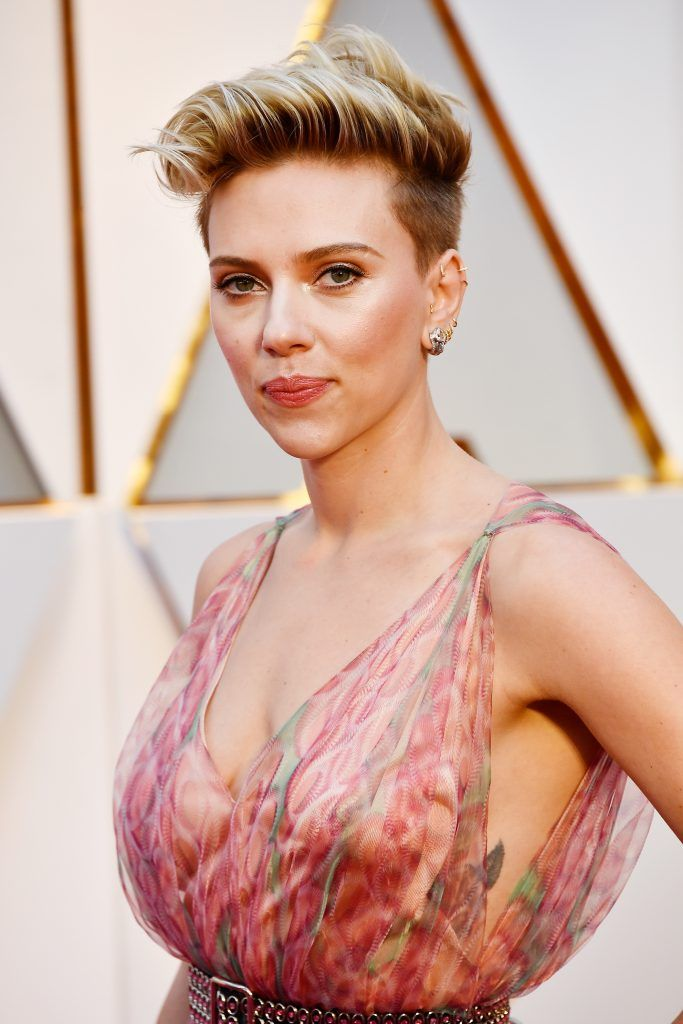 HOLLYWOOD, CA - FEBRUARY 26:  Actor Scarlett Johansson attends the 89th Annual Academy Awards at Hollywood & Highland Center on February 26, 2017 in Hollywood, California.  (Photo by Frazer Harrison/Getty Images)