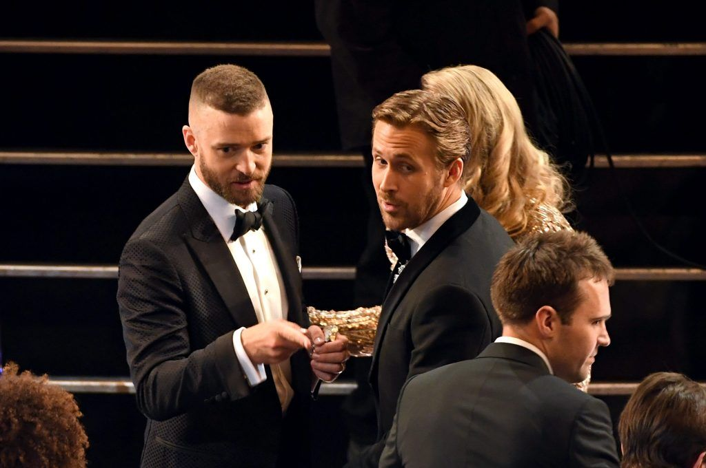 HOLLYWOOD, CA - FEBRUARY 26:  Actors Justin Timberlake (L) and Ryan Gosling in the audience during the 89th Annual Academy Awards at Hollywood & Highland Center on February 26, 2017 in Hollywood, California.  (Photo by Kevin Winter/Getty Images)