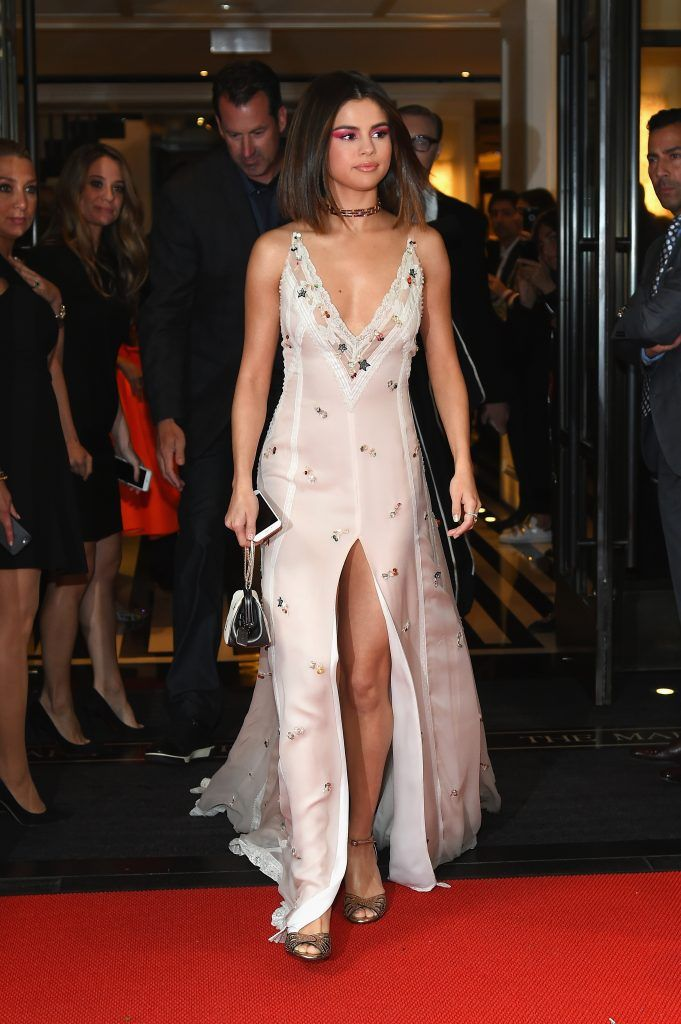 NEW YORK, NY - MAY 01:  Selena Gomez leaves from The Mark Hotel for the 2017 'Rei Kawakubo/Comme des Garçons: Art of the In-Between' Met Gala on May 1, 2017 in New York City.  (Photo by Ben Gabbe/Getty Images for The Mark Hotel)