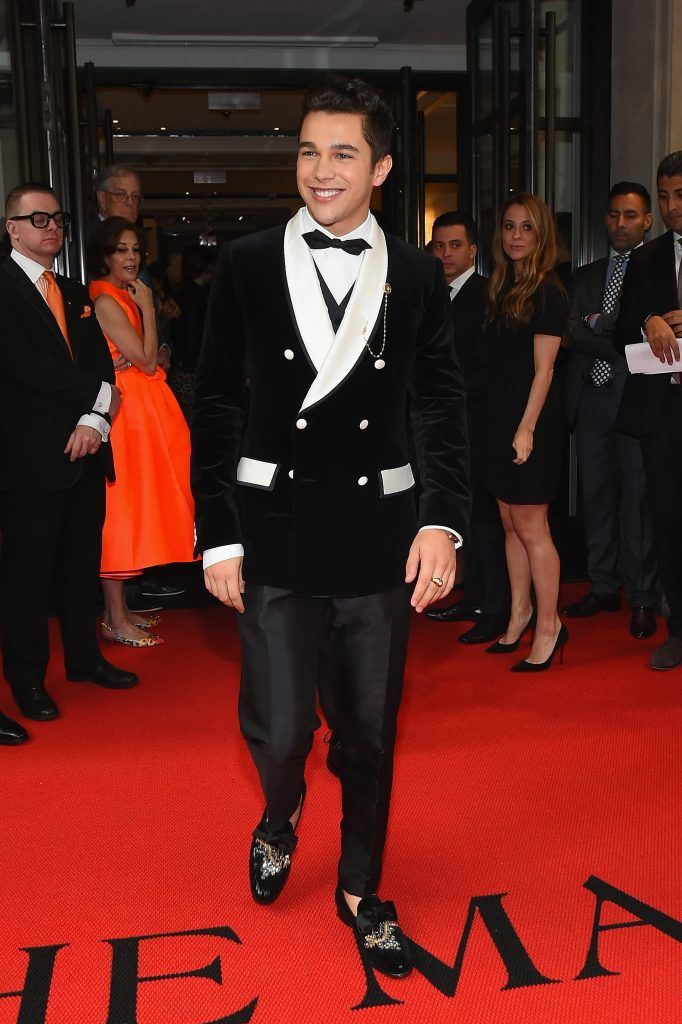 NEW YORK, NY - MAY 01:  Austin Mahone leaves from The Mark Hotel for the 2017 'Rei Kawakubo/Comme des Garçons: Art of the In-Between' Met Gala on May 1, 2017 in New York City.  (Photo by Ben Gabbe/Getty Images for The Mark Hotel)