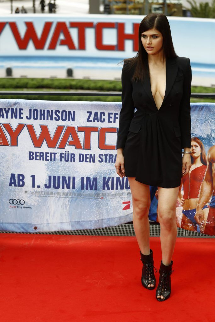 "Alexandra Daddario poses for photographers during a photocall to promote the Europe premiere of ""Baywatch"" on May 30, 2017 in Berlin. (Photo by ODD ANDERSEN/AFP/Getty Images)"