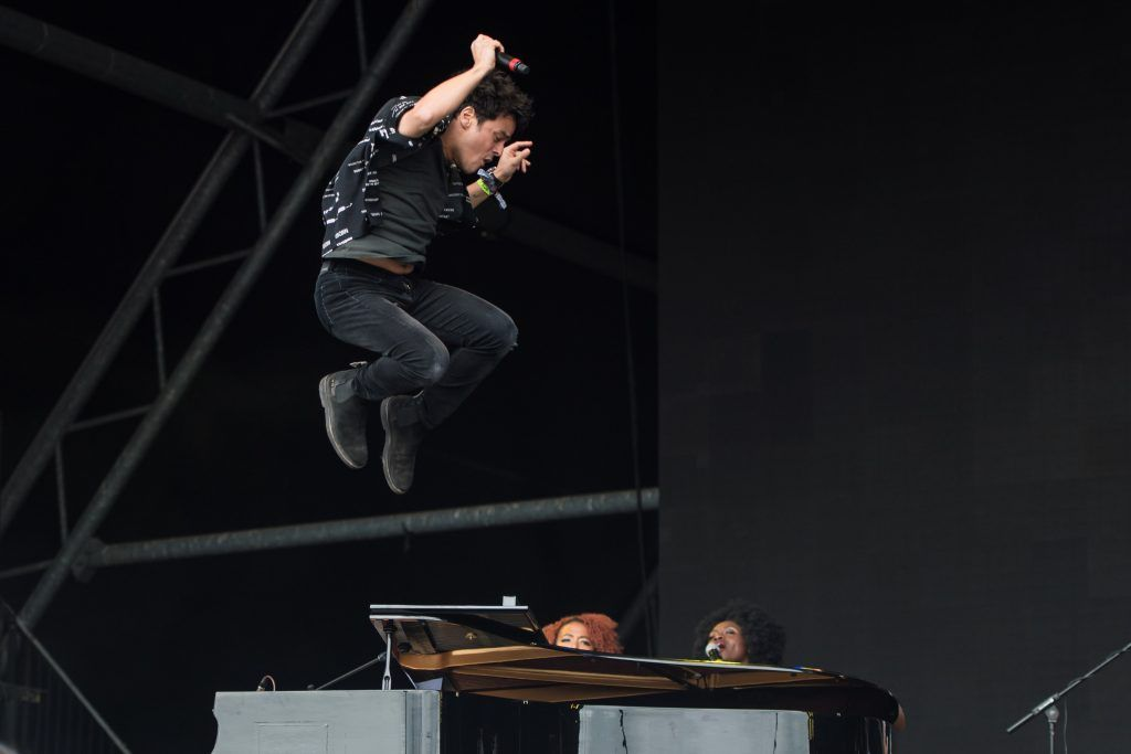 Jamie Cullum performs on the Pyramid Stage during day 4 of the Glastonbury Festival 2017 at Worthy Farm, Pilton on June 25, 2017 in Glastonbury, England.  (Photo by Ian Gavan/Getty Images)