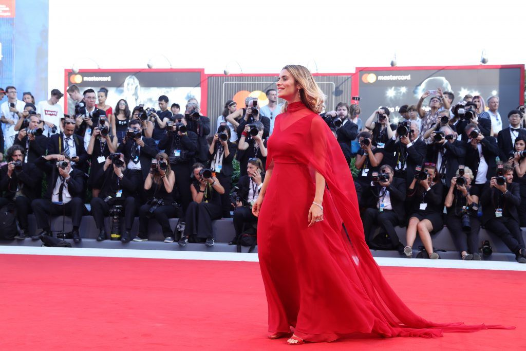 Greta Scarano walks the red carpet ahead of the 'Downsizing' screening and Opening Ceremony during the 74th Venice Film Festival at Sala Grande on August 30, 2017 in Venice, Italy.  (Photo by Vittorio Zunino Celotto/Getty Images)