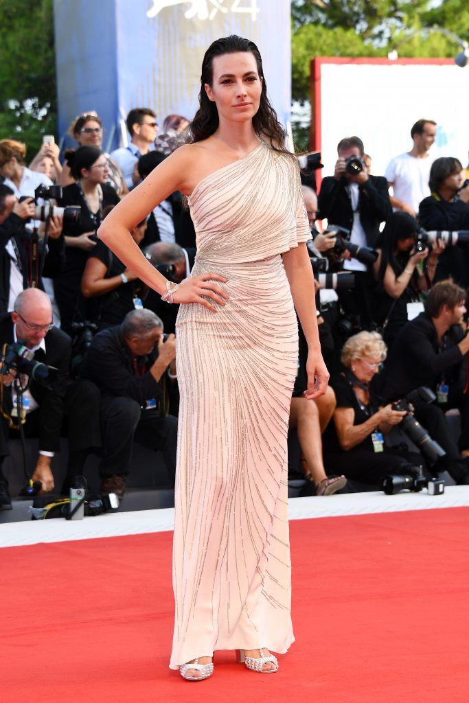 Daniela Virgilio walks the red carpet ahead of the 'Downsizing' screening and Opening Ceremony during the 74th Venice Film Festival at Sala Grande on August 30, 2017 in Venice, Italy.  (Photo by Pascal Le Segretain/Getty Images)