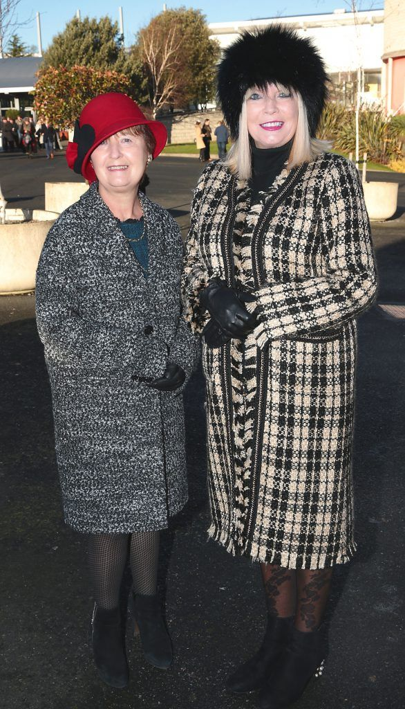 Helen Dean and Mary Mitchell O Connor at the Cliff Style awards at the Leopardstown Christmas Racing Festival 2017. Photo: Brian McEvoy